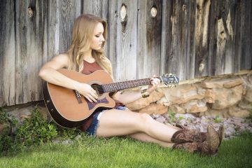 Country royalty free music tracks for video, movie, posts on social networks, broadcast, tv ...